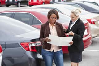 Women over prepare when buying new cars